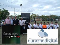 BPU entregó donación de camisetas a niños del Club Nacional de Fútbol de Durazno